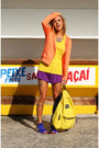 Carrot-orange-dicorpo-jacket-yellow-jansport-bag-purple-dicorpo-shorts