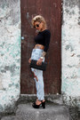 Light-blue-ripped-shein-jeans-black-uigafas-sunglasses-black-vizzano-pumps