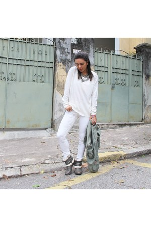 white fyi pants - charcoal gray Via Marte boots - heather gray Zara necklace