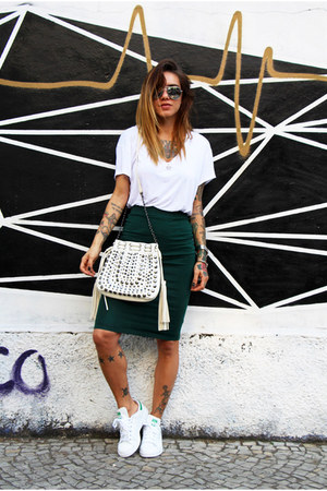 dark green pencil skirt Forever 21 skirt - white zinzane shirt - white c&a bag
