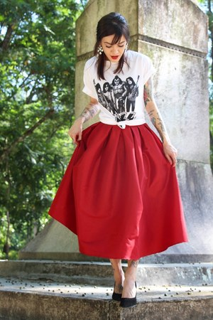 ruby red Choies skirt - black c&a earrings