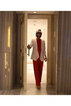 cream Amaro blazer - gold zeroUV sunglasses - red Evapore jumper
