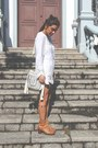 Bronze-reisinger-boots-white-c-a-bag-white-znu-blouse