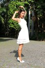 White-rosewe-dress-mustard-freyrs-glasses-white-satinato-heels