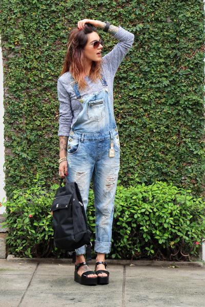 black Uncle K bag - crimson TNG sunglasses - sky blue jeans innocenti jumper