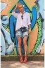 Sky-blue-alma-viva-jeans-shorts-camel-chilli-beans-sunglasses