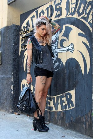 black faux leather c&a bag - charcoal gray fyi top - black leather BLuxo vest