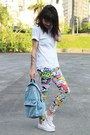 Red-ethus-leggings-sky-blue-jeans-c-a-bag-white-converse-sneakers