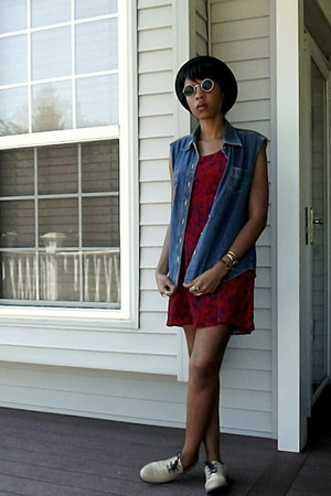Sugarlips dress - H&M hat - Thirteen Vintage sunglasses - thrifted vintage vest