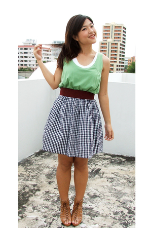 Platinum mall top - Market belt - thrifted shop skirt - siamsquare shoes