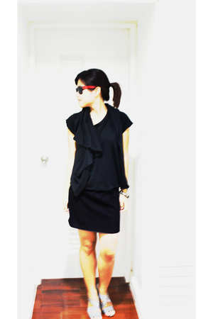 greyhound top - MBKBangkok skirt - Paris glasses - siamsquare shoes