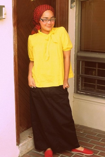 red shoes - red scarf - yellow blouse - black skirt