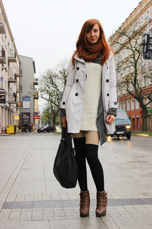 cream H&M sweater - dark brown Atmosphere boots - black SH bag