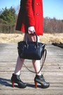 Red-bershka-coat-black-dresslily-bag-white-choies-shorts