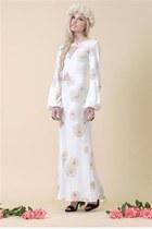 white American Gold dress