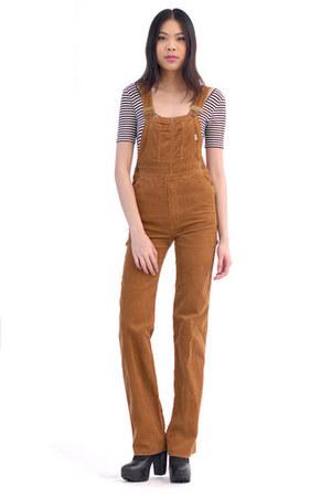 brown jumper
