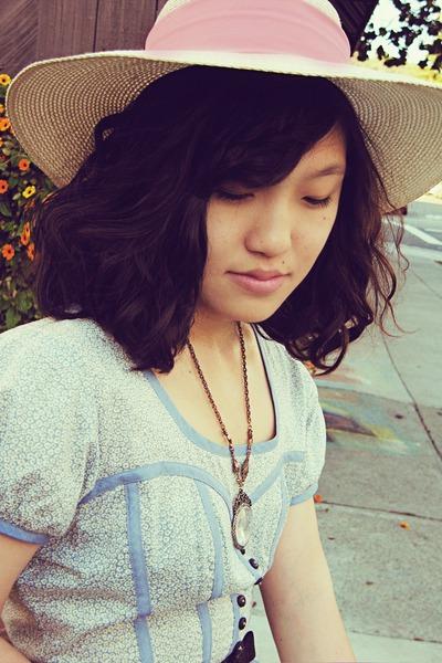 vintage hat - UO necklace - Stretsis dress - H&M belt - vintage purse - Moda Spa