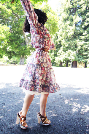 vintage dress - thrifted belt - Marni shoes - vintage intimate - Etsy accessorie