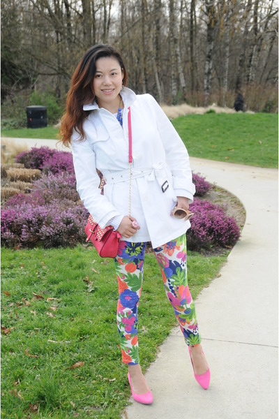 white trench coat Gap jacket - floral leggings Joe Fresh leggings