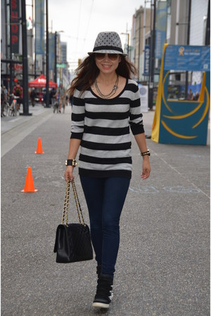 heather gray striped Forever 21 sweater