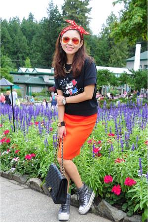 black Aritzia top - red Ochirly skirt - silver iijin sneakers
