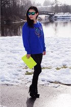 blue TNA sweatshirt - black Forever 21 leggings - lime green Aldo bag