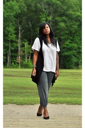 white scoopneck Sparkle & Fade t-shirt - black cotton vest - charcoal gray sweat