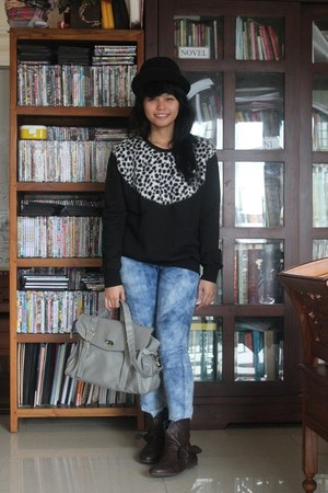 black hat - dark brown boots - blue jeans - black sweater - periwinkle bag