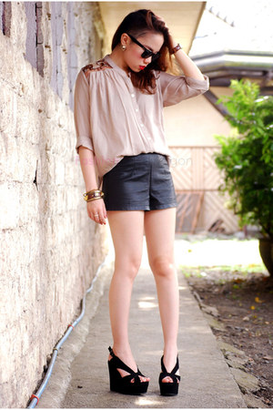 Jeffrey Campbell wedges - Forever21 shorts - pinkaholic blouse