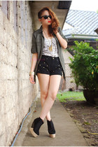 Forever21 boots - Forever21 sweater - pinkaholic shorts