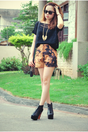 pinkaholic fashion shoppe shorts - Jeffrey Campbell boots