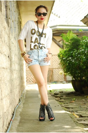 boots - shorts - top