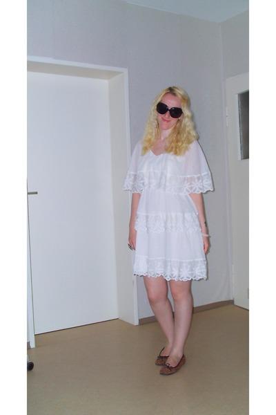 H&M dress - H&M sunglasses - 3 suisses flats