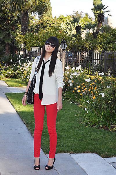 American Eagle jeans - Equipment shirt - Stella McCartney bag