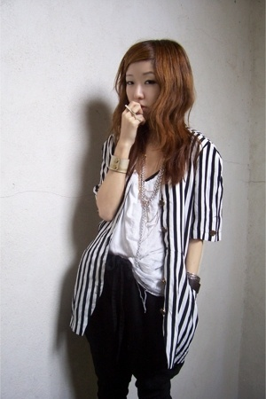 vintage dress - Zara top - Zara pants - Bijules accessories