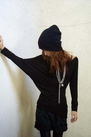 H&M hat - bailey 44 top - Secondhand shorts - American Apparel leggings