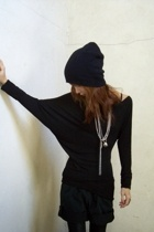 H&M hat - bailey 44 top - Secondhand shorts - American Apparel leggings