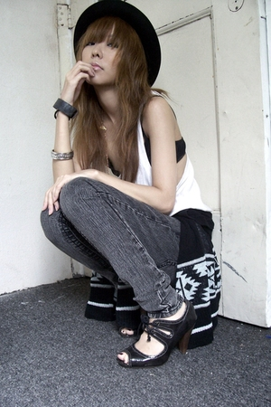 forever 21 - forever 21 jeans - Urban Outfitters sweater - Primark shoes