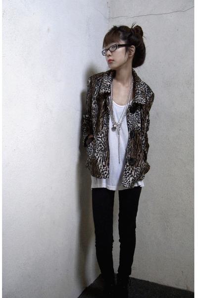 beige leopard vintage jacket - black leggings American Apparel