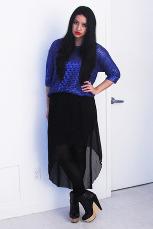 black wedge Kelsi Dagger boots - blue metallic H&M sweater