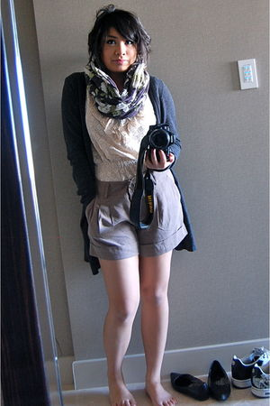 gray Forever 21 cardigan - beige H&M shirt - beige Forever 21 shorts - silver H&