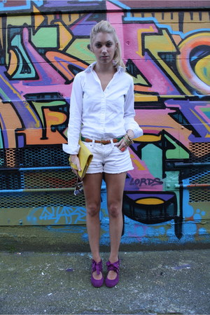 leather unknown brand bag - Gap shirt - jean unknown brand shorts