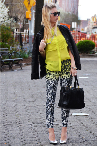 Black-leather-gap-jacket-yellow-lace-zara-shirt_400