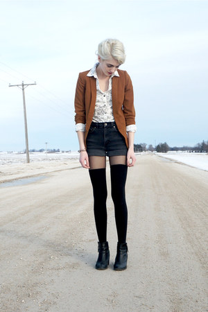 black H&M boots - brown H&M blazer - black denim vintage shorts