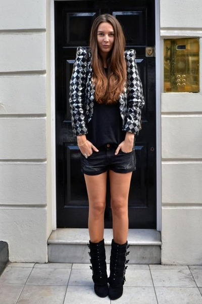Topshop jacket - Balmain boots - Chanel bag - Bershka shorts