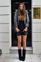 Topshop jacket - Balmain boots - Chanel bag - Bershka shorts