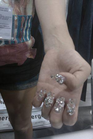 white OC Nails accessories