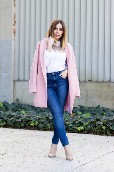 bubble gum oversized Boohoo coat - blue high-waisted Zara jeans