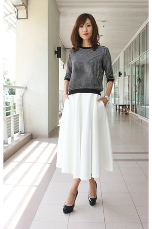 black Zara top - white midi spring asos skirt