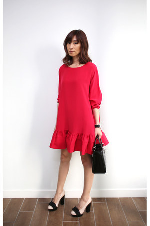 red cynthia rowley dress - christian dior bag - Miu Miu heels